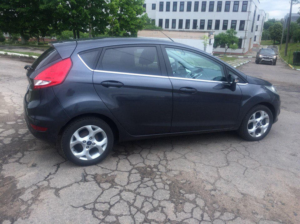 аренда и прокат авто в минске Ford Fiesta 2