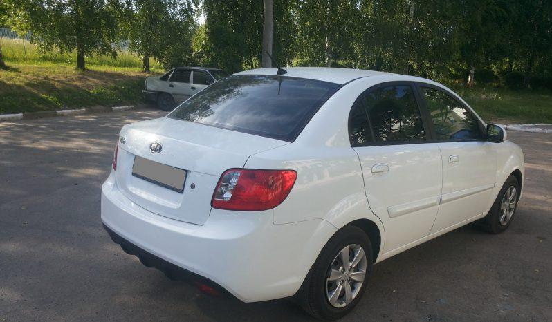 Автомобиль KIA RIO Sedan напрокат в Минске full